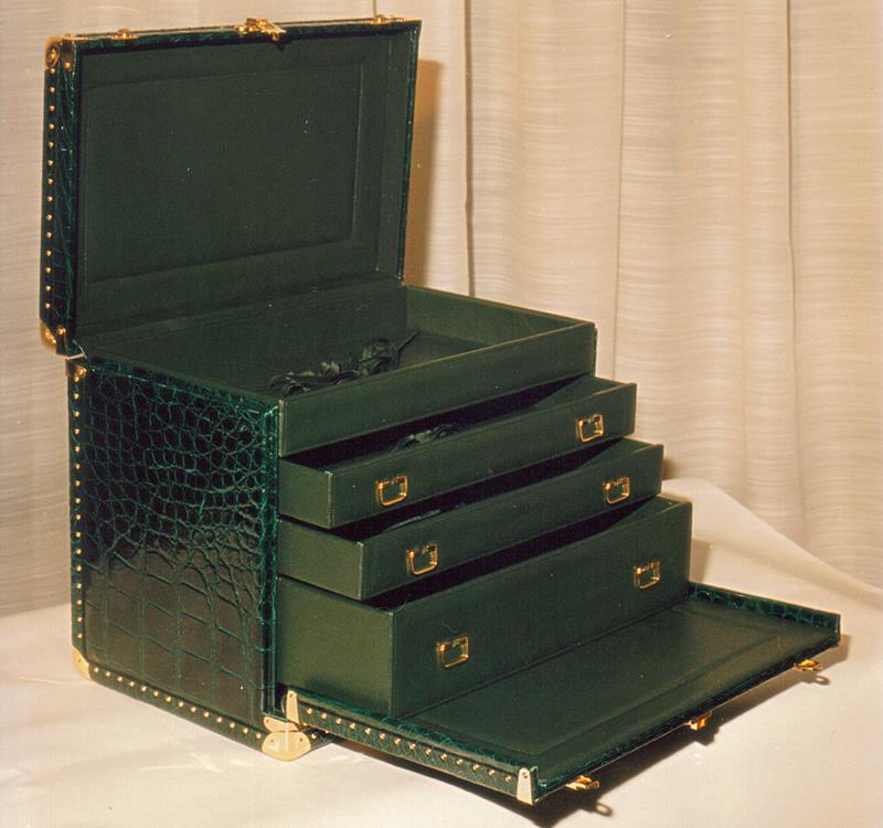 クロコダイル革製家具002