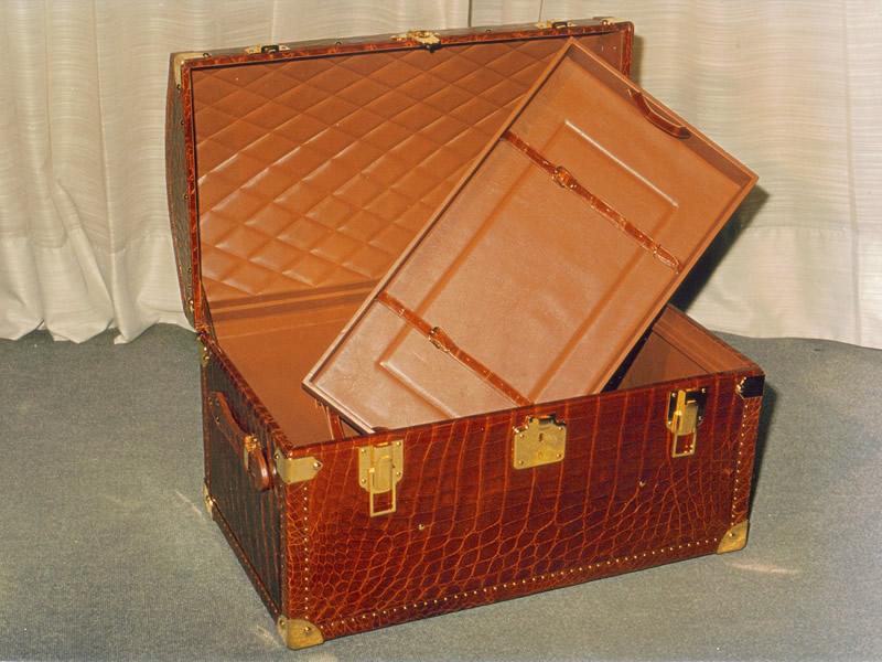 クロコダイル革製家具003